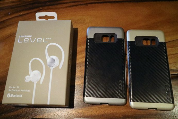 Samsung Galaxy J7 Prime Pre-order freebies Level Active Earphone and Premium Back Cover