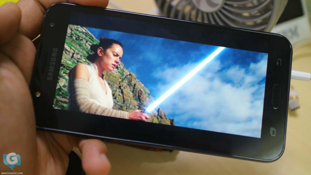 Samsung Galaxy J7 Core - Watching Videos